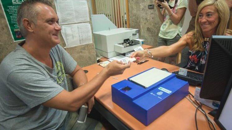 Colapso en el servicio de Registro Civil en Málaga